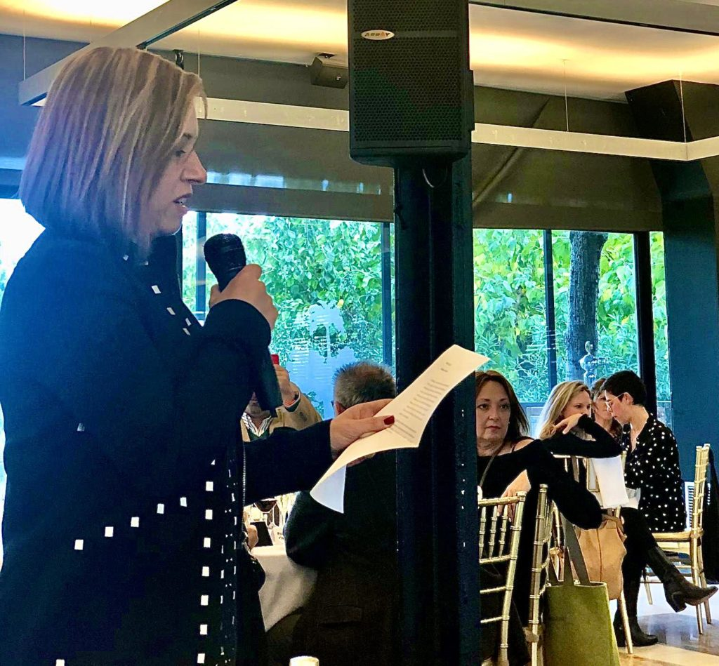 La Montse Bes intervenint al Dinar i taula rodona organitzat per la Fundació Gresol.