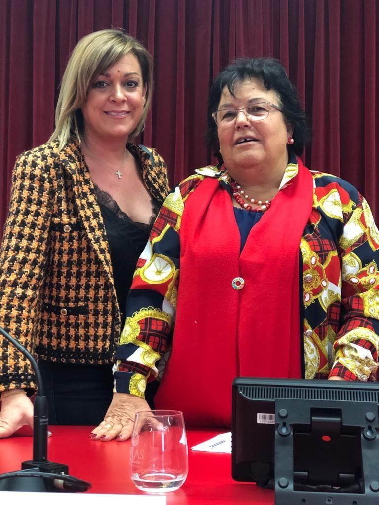 Ana Maria Macho amb Maria José Figueras
